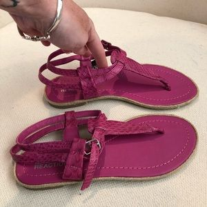 Kenneth Cole Reaction- Fuchsia Sandals, NWOT